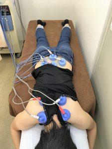 安城市長坂接骨院 姿勢矯正 骨盤矯正治療風景