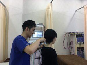 安城市長坂接骨院 肩こり・頭痛治療施術風景